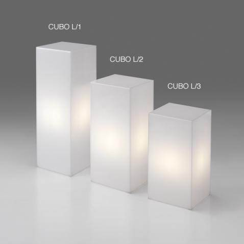 Cubo in plex opale luminoso
