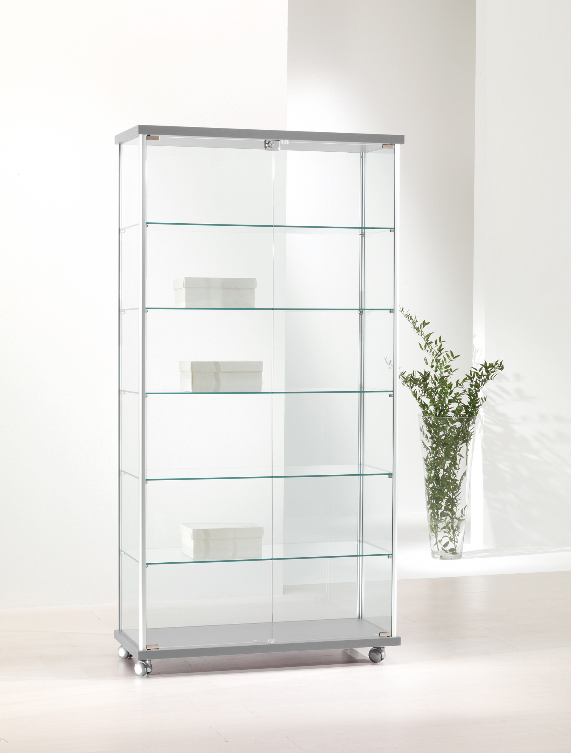 Tempered glass showcase
