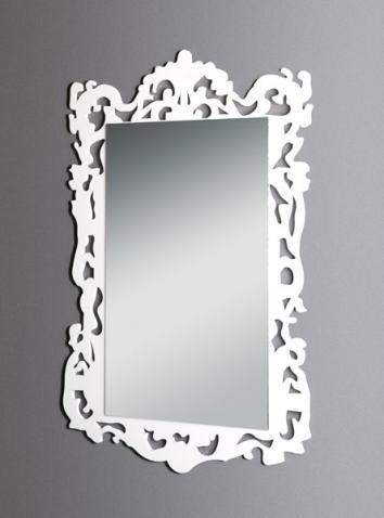 Specchio con cornice in plexiglass bianco