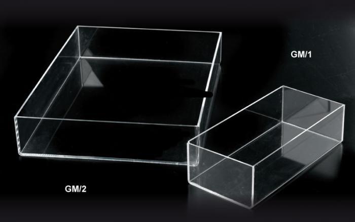 Contenitori in plexiglass