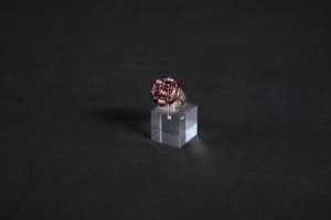 Porta anelli cubo angoli vivi