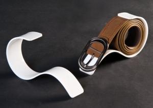 Single plexiglass belt display