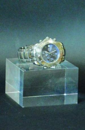 Squared plexiglass base watch display