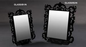 Countertop mirror with white/black plexiglass frame